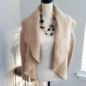 Neiman Marcus 100% cashmere sweater **S**